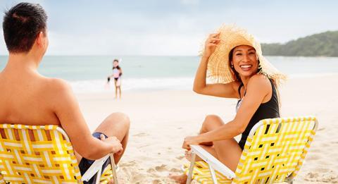 在海灘上好好放鬆