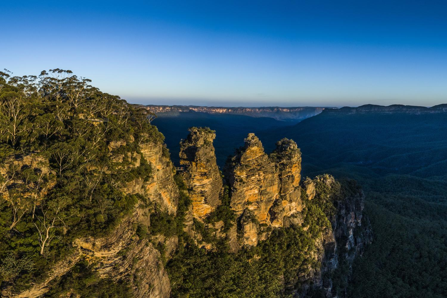 Sun setting over The Three Sisters, Katoomba in the Blue Mountains